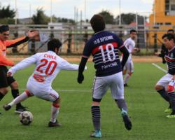 El Chile goleó 4-1 al 18 de Septiembre de Porvenir y clasificó al cuadrangular