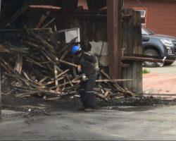 Se está realizando el desarme y demolición de lo que fue el gimnasio Padre Mario Zavattaro