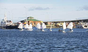 Once jóvenes participaron en primera regata de Bahía de Porvenir – Tabsa